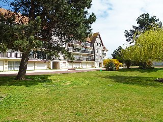 3 bedroom Apartment in Trouville-sur-Mer, Normandy, France : ref 5038763