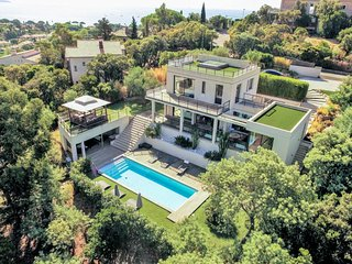 4 bedroom Villa in Cavalaire-sur-Mer, Provence-Alpes-Cote d'Azur, France : ref 5