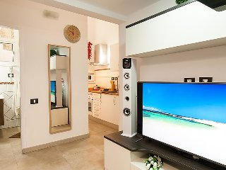1 bedroom Apartment with Air Con, WiFi and Walk to Beach & Shops - 5039128