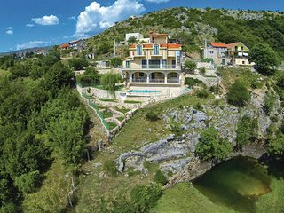 4 bedroom Villa in Cavoglave, Sibensko-Kninska Zupanija, Croatia : ref 5526677