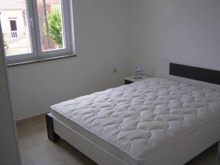 Three bedroom apartment Preko, Ugljan (A-8232-f)