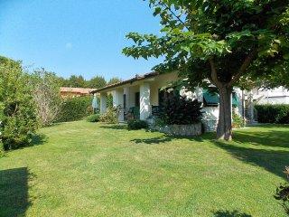 3 bedroom Villa in Marina di Pietrasanta, Tuscany, Italy : ref 5269758