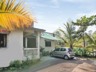 Comfy stay for backpackers, near Kihim Beach