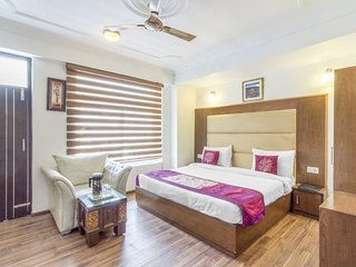 Elegant stay for a couple, 450 m from Bhagsu Waterfall