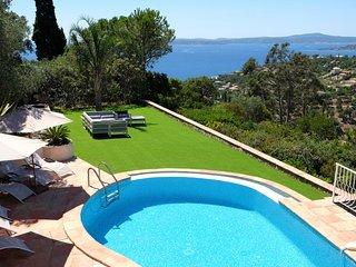 210981 5-bedroom villa,panoramic sea view, heated pool 12 x 4 mtr, jacuzzi,airco