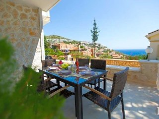 Kalkan Villa Sleeps 6 with Pool Air Con and WiFi - 5433185