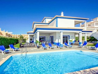 4 bedroom Villa in São Rafael, Faro, Portugal : ref 5334374