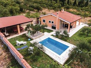 2 bedroom Villa in Vrijaci, Dubrovačko-Neretvanska Županija, Croatia : ref 55507