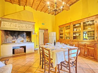 3 bedroom Apartment in San Polo in Chianti, Tuscany, Italy : ref 5241311
