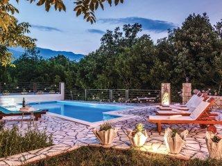 3 bedroom Villa in Luke, Splitsko-Dalmatinska Županija, Croatia : ref 5543100