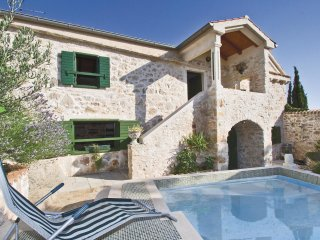 4 bedroom Villa in Banj, Zadarska Zupanija, Croatia : ref 5563628