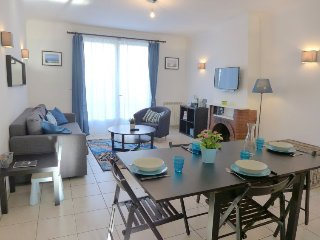 2 bedroom Apartment in Saint-Jean-de-Luz, Nouvelle-Aquitaine, France : ref 52510