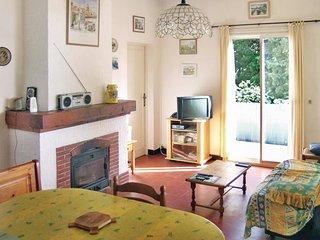 2 bedroom Villa in La Croix-Valmer, Provence-Alpes-Cote d'Azur, France : ref 553