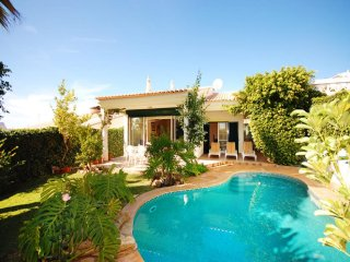 3 bedroom Villa in Salgados, Faro, Portugal : ref 5454958