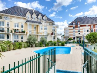 2 bedroom Apartment in Dives-sur-Mer, Normandy, France - 5700158