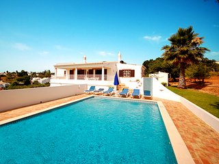 3 bedroom Villa in Guia, Faro, Portugal : ref 5456087
