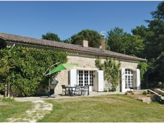 4 bedroom Villa in Saint-Ferme, Nouvelle-Aquitaine, France : ref 5565401