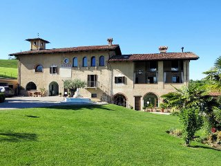 2 bedroom Villa in Merluzzi, Piedmont, Italy : ref 5443142