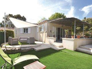 2 bedroom Villa in Crillon-le-Brave, Provence-Alpes-Cote d'Azur, France : ref 55