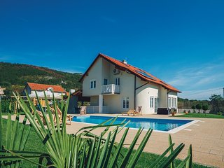 3 bedroom Villa in Celani, Splitsko-Dalmatinska Zupanija, Croatia - 5563572