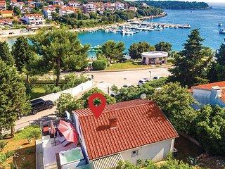 2 bedroom Villa in Pjescana uvala, , Croatia : ref 5564629