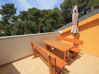 Cunski Apartment Sleeps 5 with Air Con - 5467825