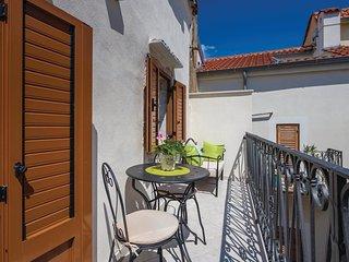 2 bedroom Villa in Vrbnik, Primorsko-Goranska Zupanija, Croatia : ref 5532967