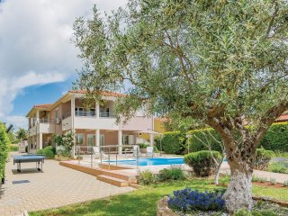 2 bedroom Villa in Vodnjan, Istria, Croatia : ref 5564482