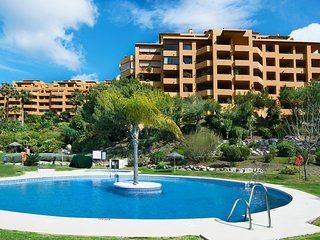 2 bedroom Apartment in Estepona, Andalusia, Spain : ref 5544104