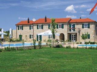 3 bedroom Villa in Drinovci, Šibensko-Kninska Županija, Croatia : ref 5563727