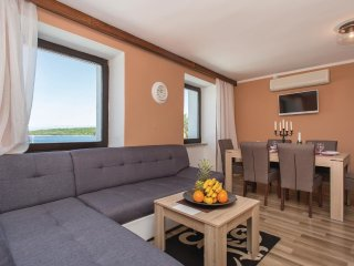 3 bedroom Apartment in Njivice, Primorsko-Goranska Županija, Croatia : ref 5564