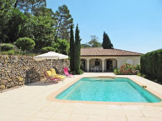 2 bedroom Villa in Cabasse, Provence-Alpes-Côte d'Azur, France : ref 5437032