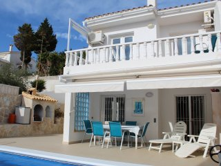 Villa with Private Pool and Sea Views !