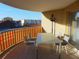 2 bedroom Apartment in Saint-Raphaël, Provence-Alpes-Côte d'Azur, France : ref 5