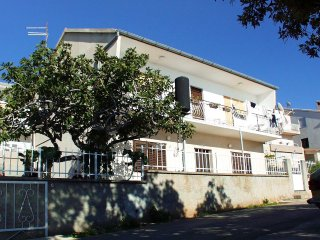 Three bedroom apartment Brodarica (Sibenik) (A-921-a)