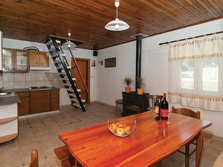 4 bedroom Villa in Pražnice, Splitsko-Dalmatinska Županija, Croatia : ref 556182