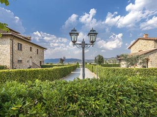 2 bedroom Apartment in Cortona, Tuscany, Italy - 5486503