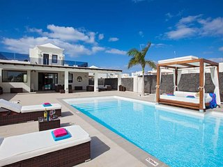 3 bedroom Villa in Playa Blanca, Canary Islands, Spain : ref 5568373