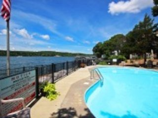 Island 4  with view of pool and Lake. Boat slip - Condominiums for Rent in Lake