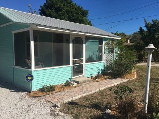 Village of Longboat Key, 1 BR & 1 BA Comfortable Cottage Very Clean