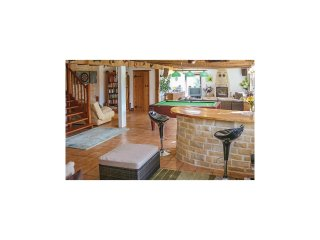 4 bedroom Villa in Lizant, Nouvelle-Aquitaine, France : ref 5546751