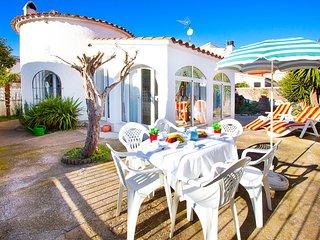 3 bedroom Villa in Empuriabrava, Catalonia, Spain : ref 5697994