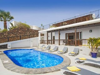 5 bedroom Villa in Puerto del Carmen, Canary Islands, Spain : ref 5571190