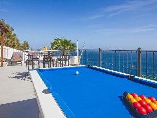 5 bedroom Villa in Puerto del Carmen, Canary Islands, Spain : ref 5571190