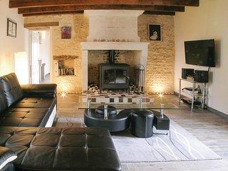 3 bedroom Villa in Bouille-Courdault, Pays de la Loire, France : ref 5565803