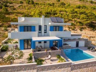 3 bedroom Villa in Duće, Splitsko-Dalmatinska Županija, Croatia : ref 5490674