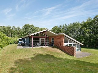 Mariager Holiday Home Sleeps 10 with Pool and WiFi - 5043009