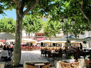 4 bedroom Villa in Le Beausset, Provence-Alpes-Cote d'Azur, France : ref 5435885