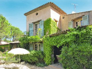 3 bedroom Villa in Châteauneuf-Grasse, Provence-Alpes-Côte d'Azur, France : ref