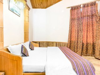 Rejuvenating 2-BR stay, close to Naggar Castle